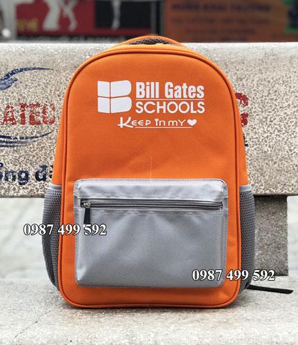 Sản xuất balo học sinh tiểu học trường Bill Gates